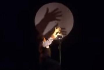 Παιχνίδι με σκιές με μουσική συνοδεία… Louis Armstrong