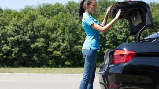 Ποια αντικείμενα θα πρέπει να έχουμε πάντα μέσα στο πόρτ παγκάζ του αυτοκινήτου μας;