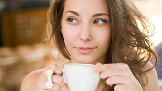 Πώς η κατανάλωση καφεΐνης συνδέεται με την αύξηση βάρους