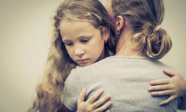 Πώς μεγαλώνουμε δυστυχισμένα παιδιά χωρίς να το καταλάβουμε!