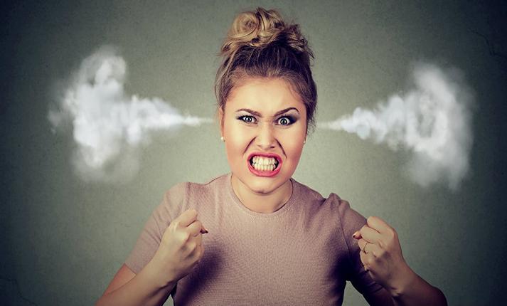 Πώς να διαχειρίζεστε το θυμό ενός ατόμου με το οποίο συγκρούεστε