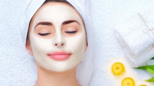 Πώς να εξαλείψετε τους ρύπους της επιδερμίδας με φυσικές μάσκες προσώπου