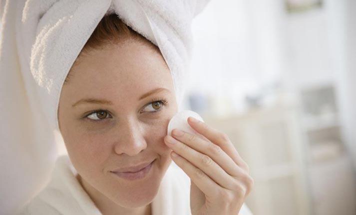 Πώς να περιποιηθείτε το δέρμα με ακμή