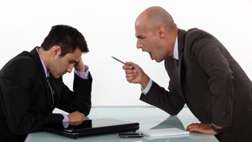 Πώς να βάλετε όρια στον επιθετικό εργοδότη σας