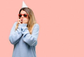 Πώς θα περάσεις καλά σε πάρτι ακόμα κι αν σου προκαλεί άγχος