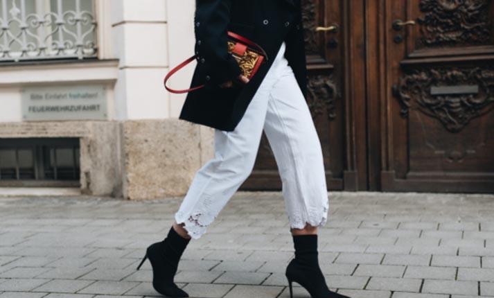 Sock boots: Η νέα ακαταμάχητη τάση στα παπούτσια