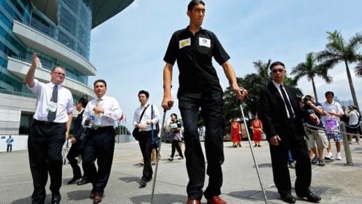 Sultan Kösen: Ο ψηλότερος άνθρωπος στον κόσμο
