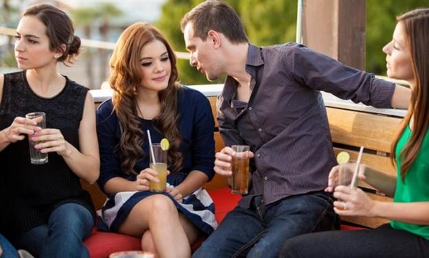 Συμπεριφορές που μειώνουν την έλξη στο φλερτ