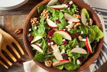 Τα καλύτερα και τα χειρότερα υλικά για μία σαλάτα
