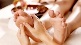 thai_foot_massage_ena_idiaitero_stul_refleksologias_featured