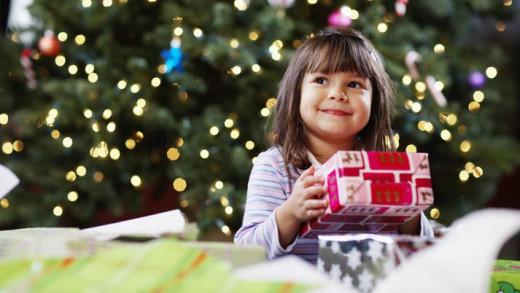 Τι δώρα να κάνουμε στα παιδιά μας τις γιορτές;