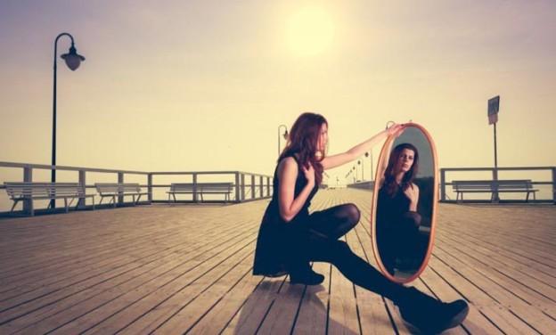Τι είναι η αυτοεκτίμηση και πώς μπορούμε να την ενισχύσουμε