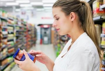 Τι πρέπει να διαβάζουμε οπωσδήποτε στις ετικέτες των συσκευασιών των τροφίμων