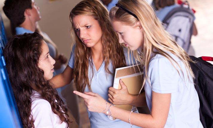 Το bullying στην Ελλάδα και η σχολική βία. Ένα αγκάθι που πληγώνει και προκαλεί πολύ πόνο!