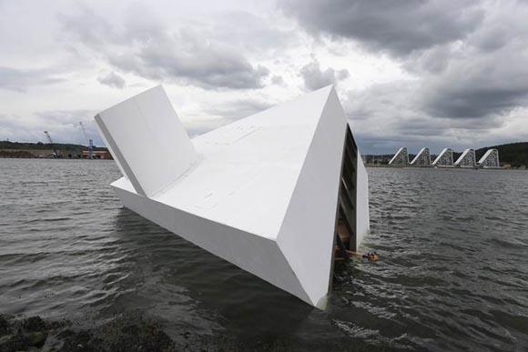 Το διάσημο αριστούργημα του Le Corbusier βυθίζεται στη Δανία