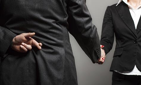 Το ψέμα προνόμιο των αντρών – οι ενοχές όχι