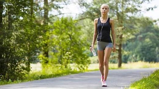 Το ταχύτερο περπάτημα προσφέρει μακροζωία