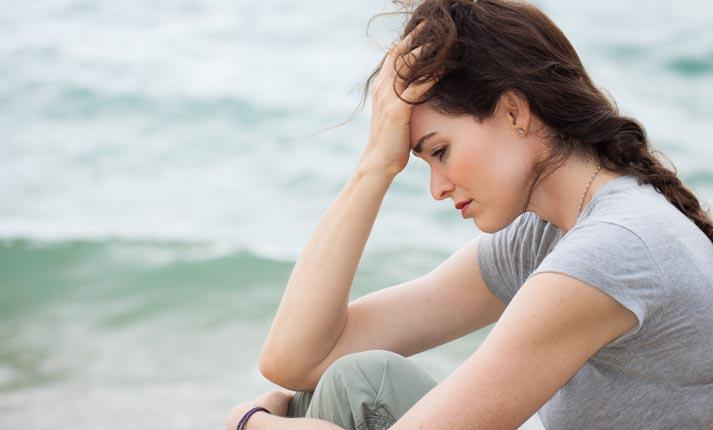 Τοξικά συναισθήματα που μάς απομακρύνουν από την ευτυχία
