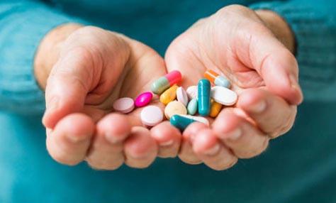 Υπερκατανάλωση φαρμάκων: πόσο επικίνδυνη είναι;